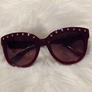 EUC Valentino red rockstud sunglasses